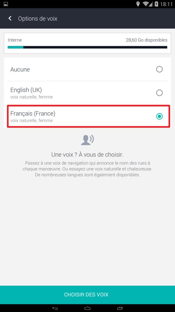 Capture d'écran de l'application HERE WeGo : sélection de la voix Française.