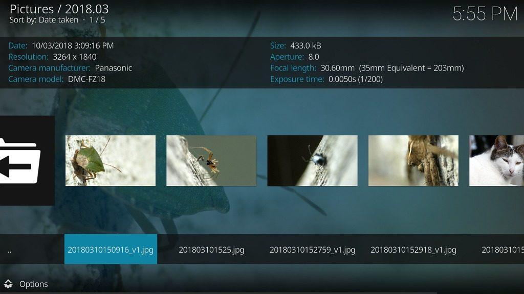 """Capture d'écran de l'application Kodi, affichage liste de photos en vue """"Maj.""""."""